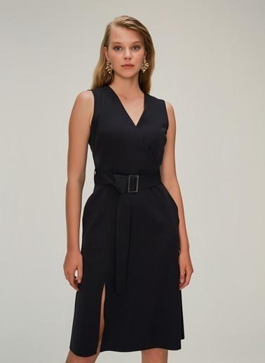 NGSTYLE Kemerli Klasik Kesim Elbise Siyah